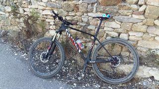 Bicicleta de montaña GHOST ASKET 8. 27,5 pulgadas