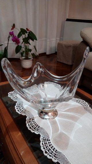 Centro de mesa con pie de plata