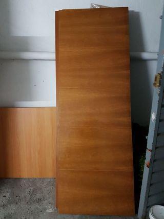 puerta maciza nueva de madera