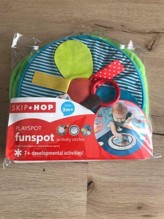 SKIP HOP set de actividades para Alfombra