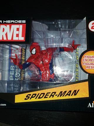 figura en resina spiderman