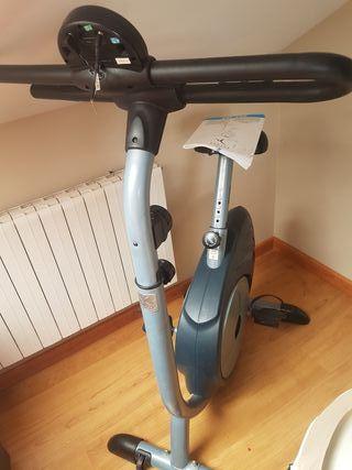 cinta, bicicleta,elíptica y banco