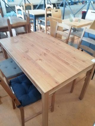 3 Juegos de Mesas de madera y sillas