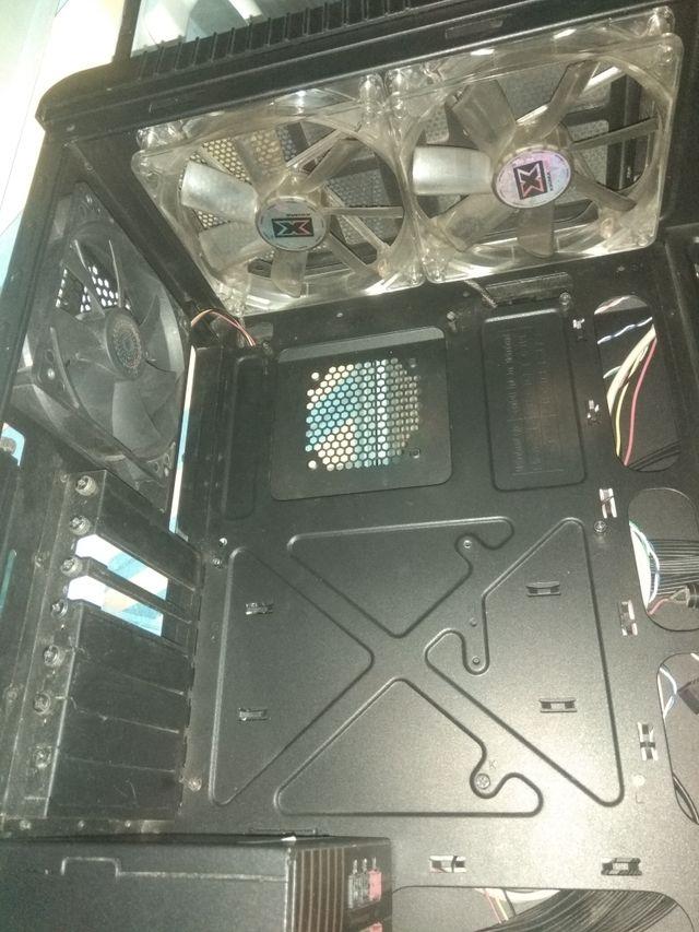 Caja PC Cooler Master CM690 II Advanced