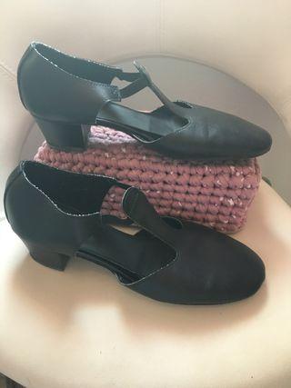 Zapatos de baile con tacón