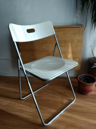 silla plegable Ikea blanca