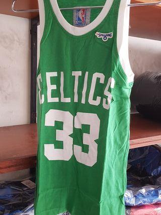 camiseta Celtics talla 14 años niño
