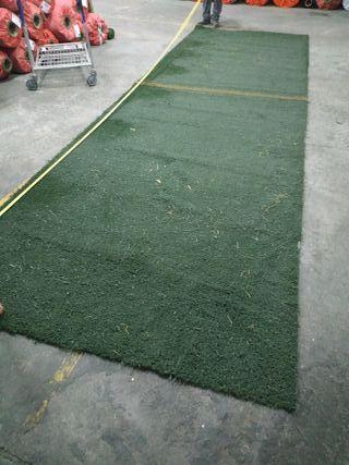 Césped artificial usado pieza de 11,30m²
