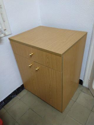 Mesa cómoda, armario