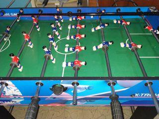 Futbolín , billar y mesa de pinpom