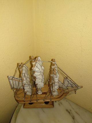 Barco decorativo.