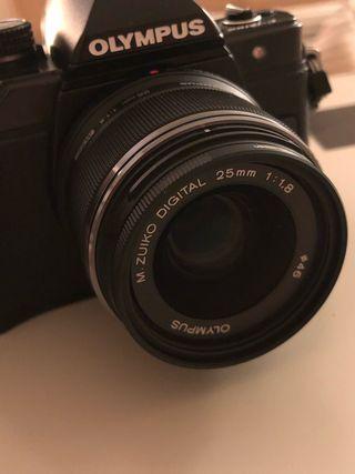 Objetivo Olympus Zuiko 25mm (50mm)
