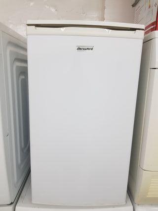 congelador vertical Benavent