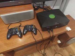 Xbox clásica, mandos, volante y juegos