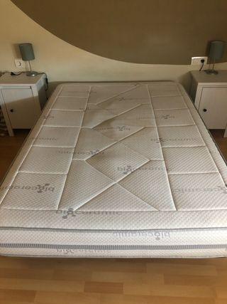 Colchón + base tapizada. 135x190
