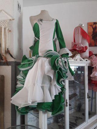 traje flamenca / sevillana