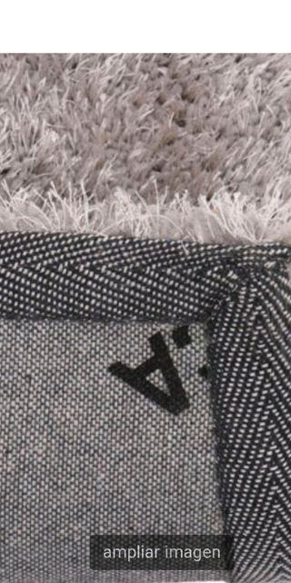 alfombra de pelo larga prácticamente nueva