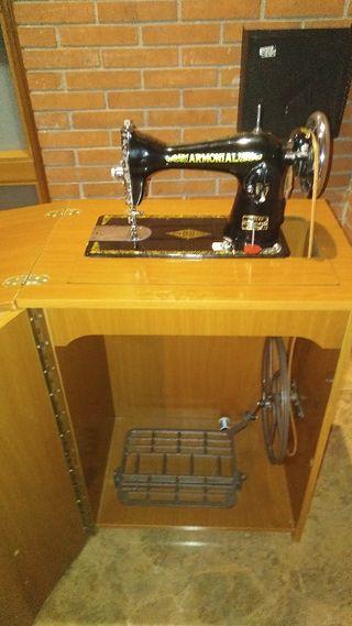 Maquinaria de coser Armonial
