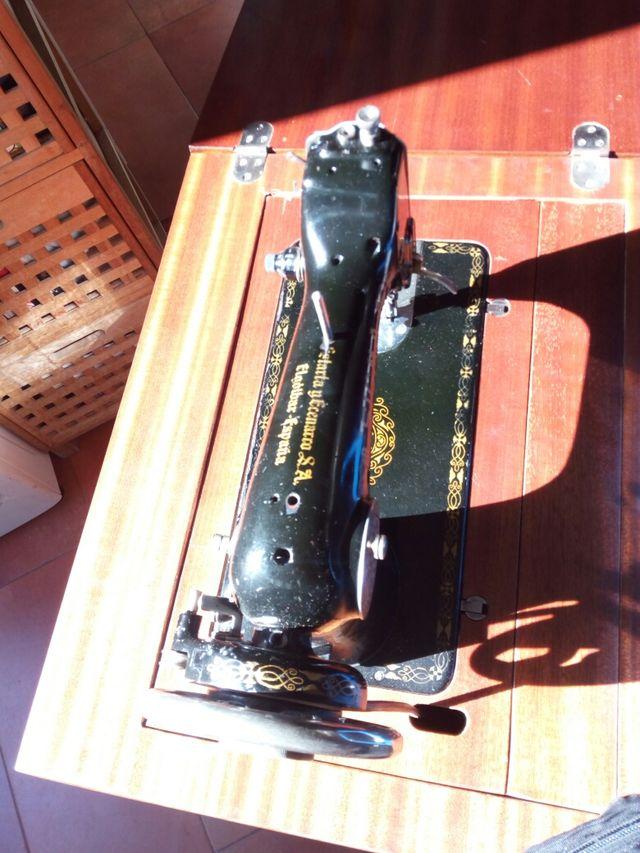 máquina de coser antigua máquina de coser antigua