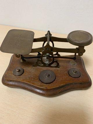 Balanza antigua de pesar cartas inglesa