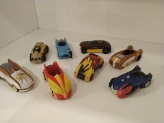8 coches Gormitis