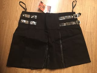 Mini falda gotica begra con turas y hebillas