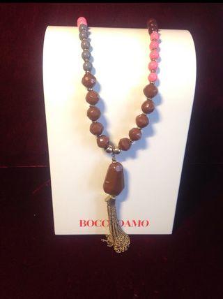 Expositor collar nuevo Bocadamo