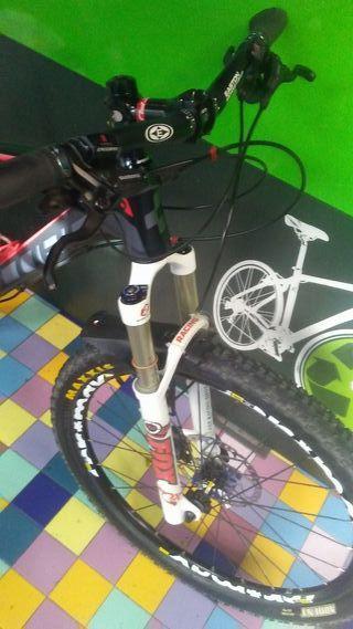 BICICLETA CUBE REACTION RACE