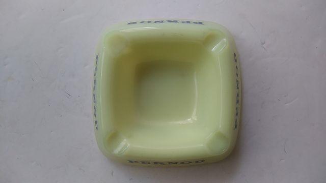 cenicero PERNOD de cristal