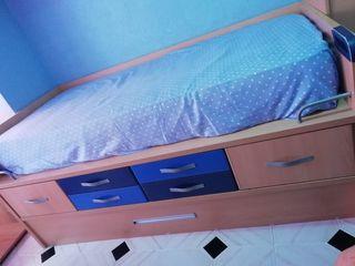 cama nido y escritorio esta nuevo