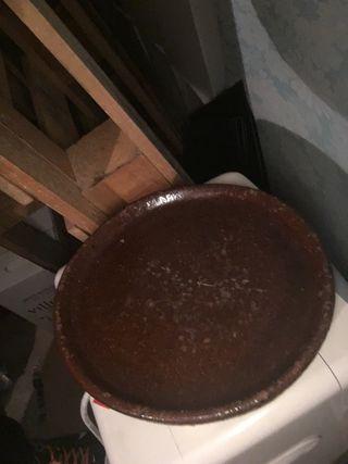 Platos y fuentes de barro