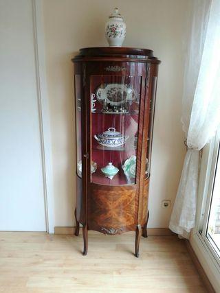 Mueble vitrina (antigüedad)