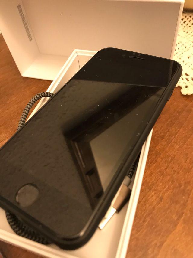 Móvil IPhone 6 16g libre color plata