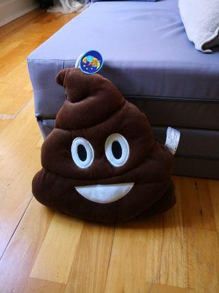 Emoji cushion poo