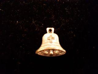 Medalla en forma de campana
