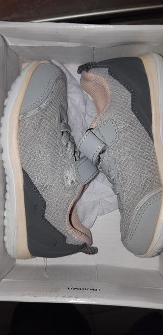 Zapatillas num 24