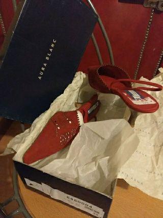 zapatos de fiesta rojos, tacón, piel, sin estrenar