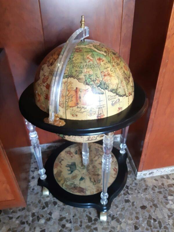 mueble bar bola del mundo