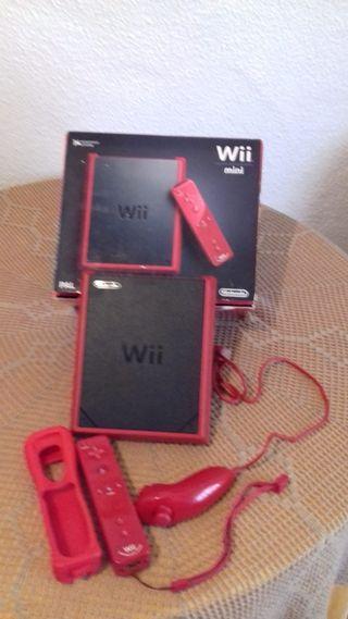 Wii mini Roja + mando+ nunchaku+3 juegos