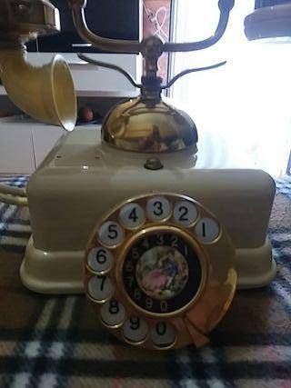 telefono modelo antiguo. color marfil.