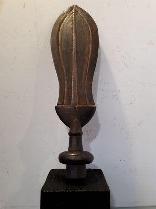 Antigua espada africana