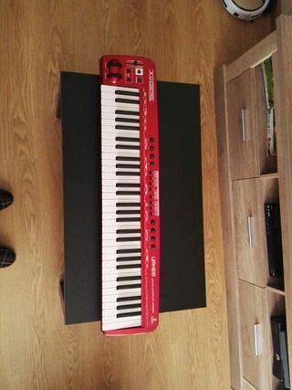 Teclado, piano MIDI Behringer UMX610