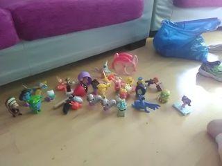 pack de muñecos o figuras