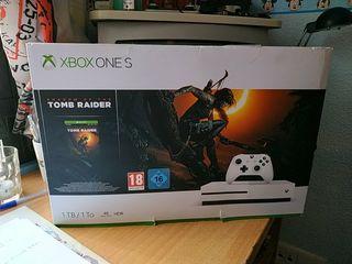 Xbox one S 1Tb con mando y juego Tomb Raider