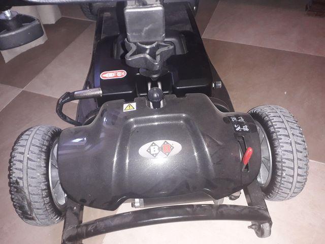 moto de ruedas de bateria