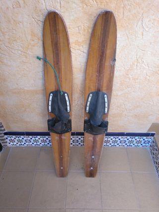 antiguos patines esquí nautico