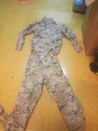Ropa Militar - Traje Tormenta Goretex