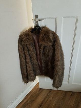 Faux fur coat M