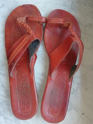 Sandalias de cuero NUEVAS