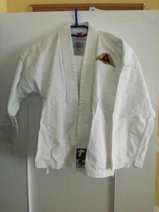 Vendo kimono kárate.